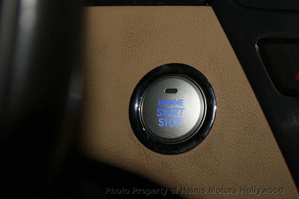 2014 Hyundai Sonata Hybrid 4dr Sedan Limited - 17069642 - 25