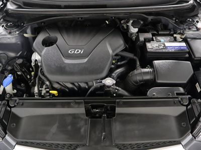 2014 Hyundai Veloster 3dr Coupe Manual w/Black Int - Click to see full-size photo viewer