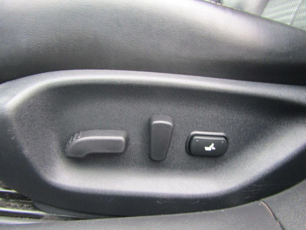 2014 INFINITI Q50 4dr Sedan AWD Sport - 18508983 - 41