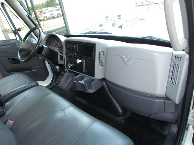 2014 International 4300 Box Truck - 16373895 - 22