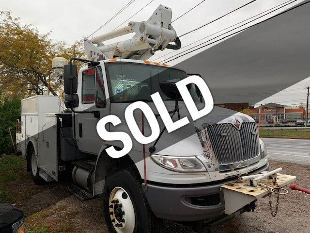 2014 International 4300  ALTEC  ARTICULATING  50 FOOT  BUCKET TRUCK 4300 SERIES  DURASTAR UTILITY BED WITH TELESCOPIC BOOM - 18263113 - 0