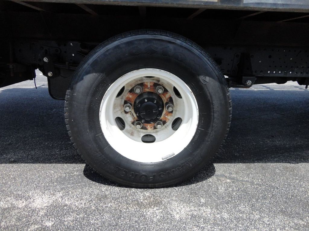 2014 Isuzu NPR HD 16FT FLATBED STAKE BED WITH LIFTGATE..STAKE TRUCK. - 17742657 - 17