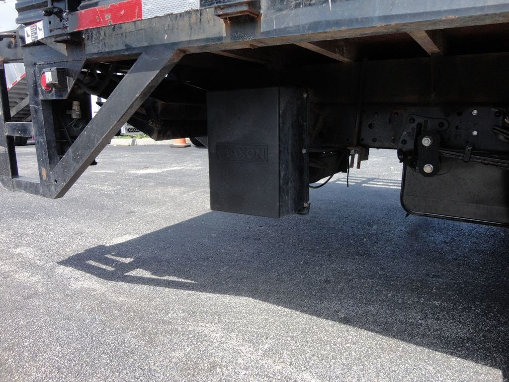 2014 Isuzu NPR HD 16FT FLATBED STAKE BED WITH LIFTGATE..STAKE TRUCK. - 17742657 - 18