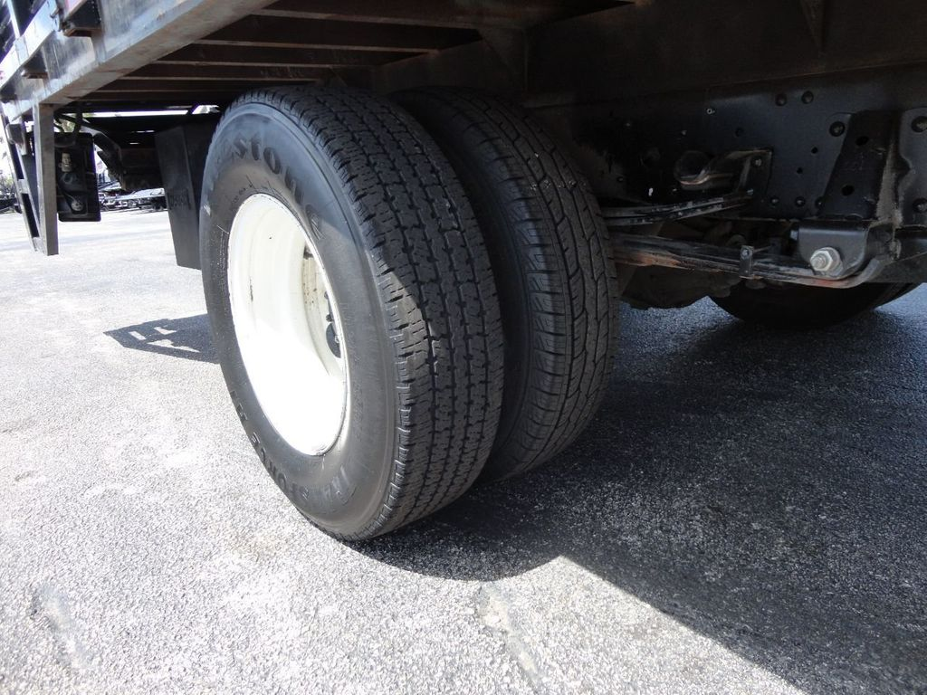 2014 Isuzu NPR HD 16FT FLATBED STAKE BED WITH LIFTGATE..STAKE TRUCK. - 17742657 - 19