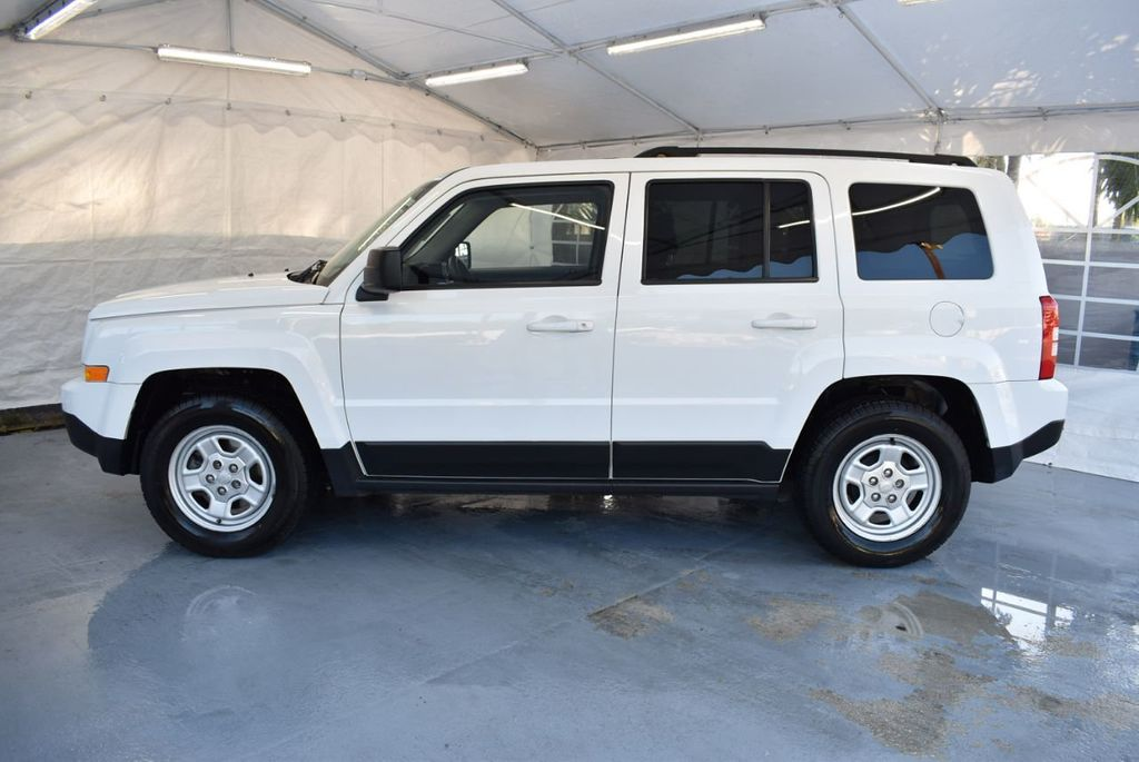 2014 Jeep Patriot FWD 4dr Altitude - 18341576 - 4