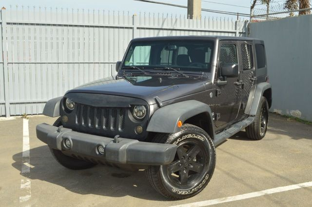 2014 Jeep Wrangler Unlimited Sport - 19002090 - 0