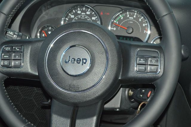 2014 Jeep Wrangler Unlimited Sport - 19002090 - 18