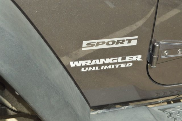 2014 Jeep Wrangler Unlimited Sport - 19002090 - 26