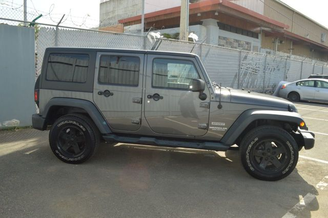 2014 Jeep Wrangler Unlimited Sport - 19002090 - 3