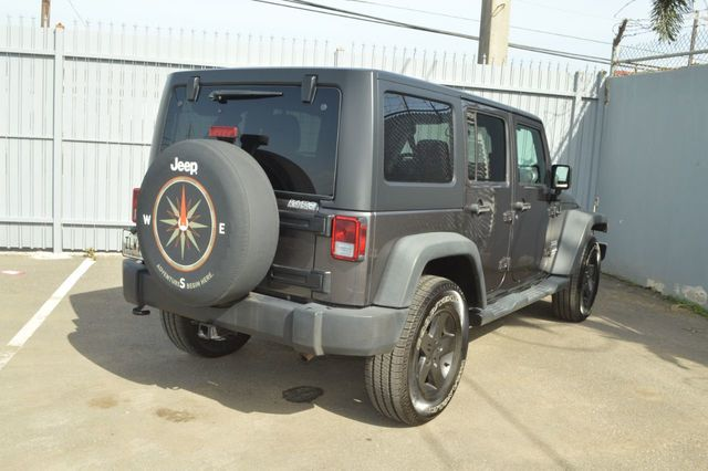 2014 Jeep Wrangler Unlimited Sport - 19002090 - 4