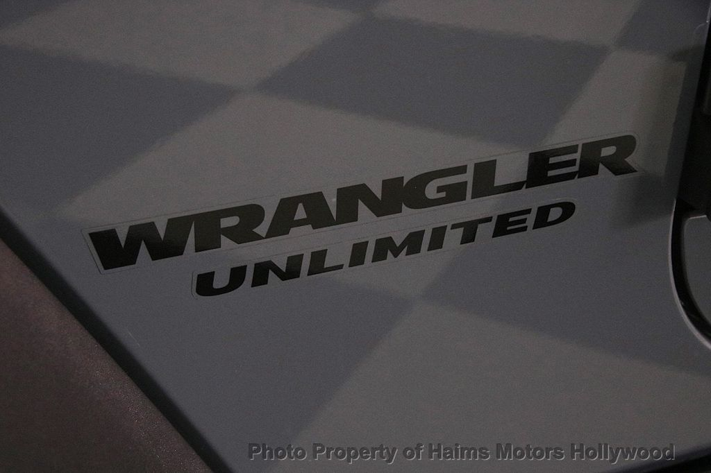 2014 Jeep Wrangler Unlimited 4WD 4dr Rubicon - 17409672 - 9