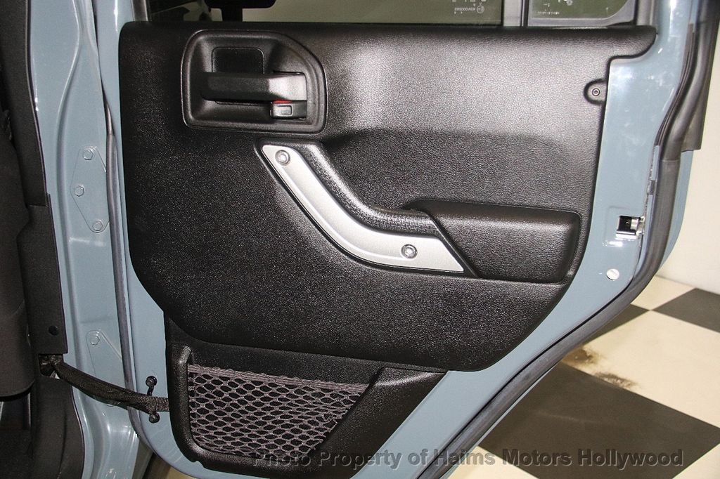 2014 Jeep Wrangler Unlimited 4WD 4dr Rubicon - 17409672 - 13
