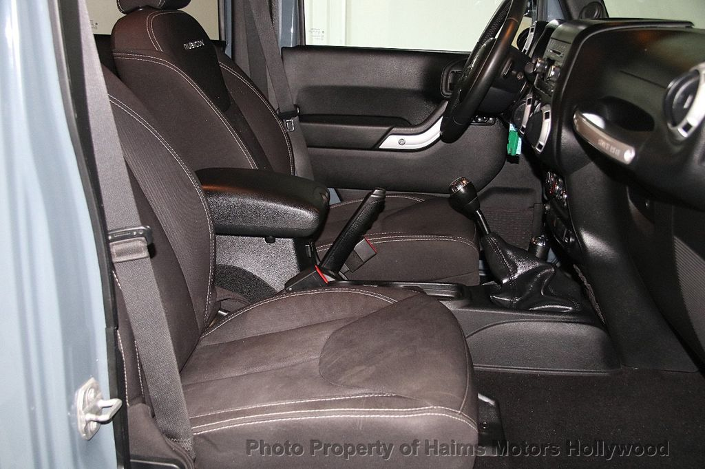 2014 Jeep Wrangler Unlimited 4WD 4dr Rubicon - 17409672 - 15