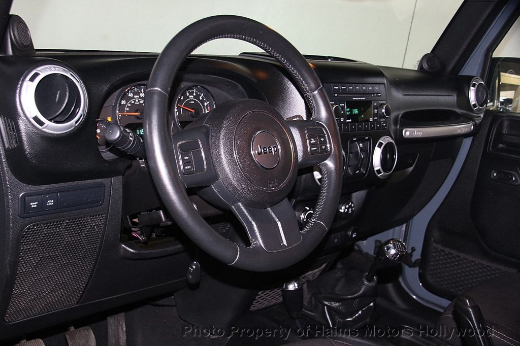2014 Jeep Wrangler Unlimited 4WD 4dr Rubicon - 17409672 - 19