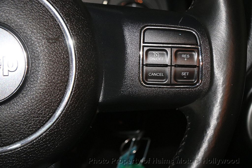 2014 Jeep Wrangler Unlimited 4WD 4dr Rubicon - 17409672 - 26