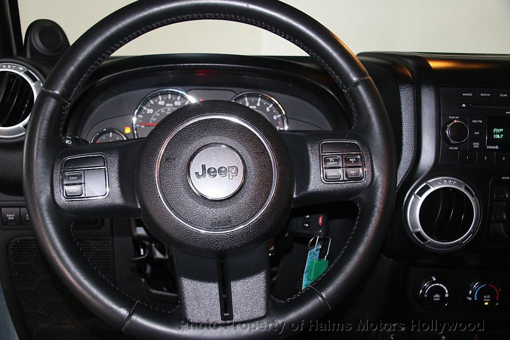 2014 Jeep Wrangler Unlimited 4WD 4dr Rubicon - 17409672 - 28