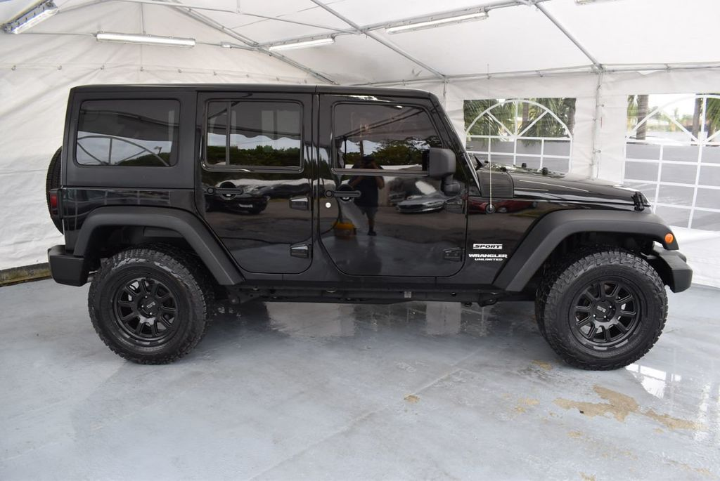 2014 Jeep Wrangler Unlimited 4WD 4dr Willys Wheeler - 18343621 - 2
