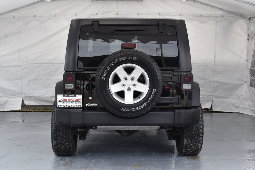 2014 Jeep Wrangler Unlimited 4WD 4dr Willys Wheeler - 18343621 - 7