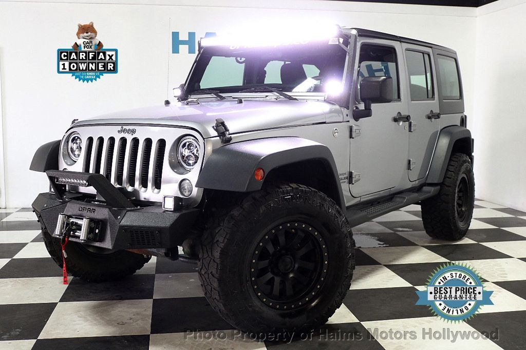 2014 Jeep Wrangler Unlimited 4WD 4dr Willys Wheeler - 17810296 - 1