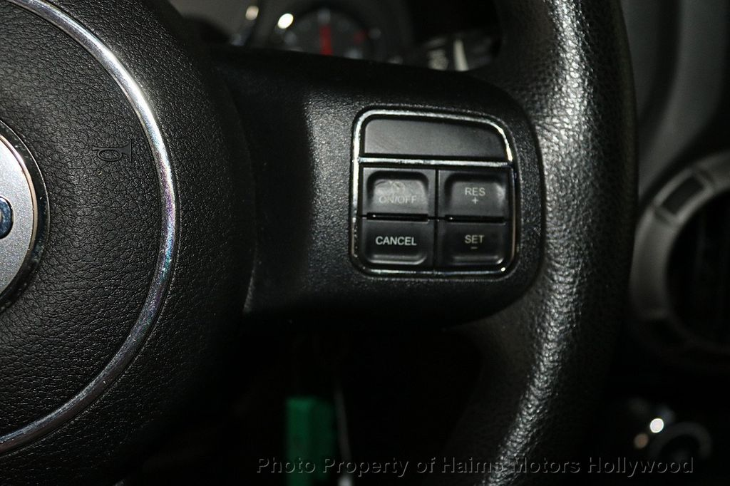 2014 Jeep Wrangler Unlimited 4WD 4dr Willys Wheeler - 17810296 - 27