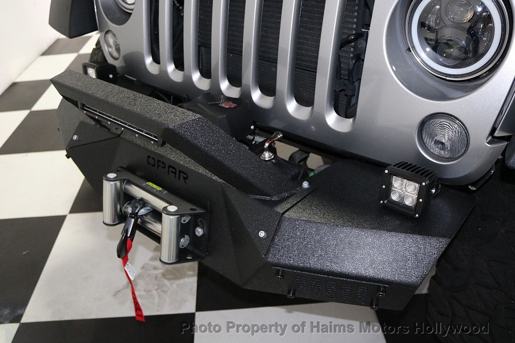 2014 Jeep Wrangler Unlimited 4WD 4dr Willys Wheeler - 17810296 - 31