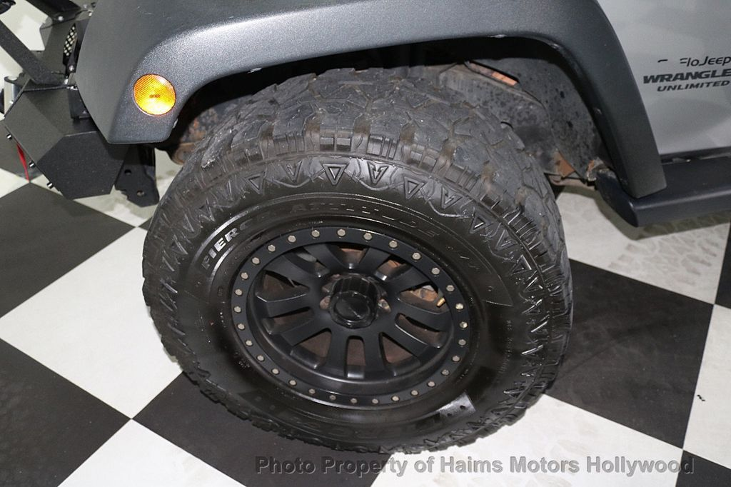 2014 Jeep Wrangler Unlimited 4WD 4dr Willys Wheeler - 17810296 - 33
