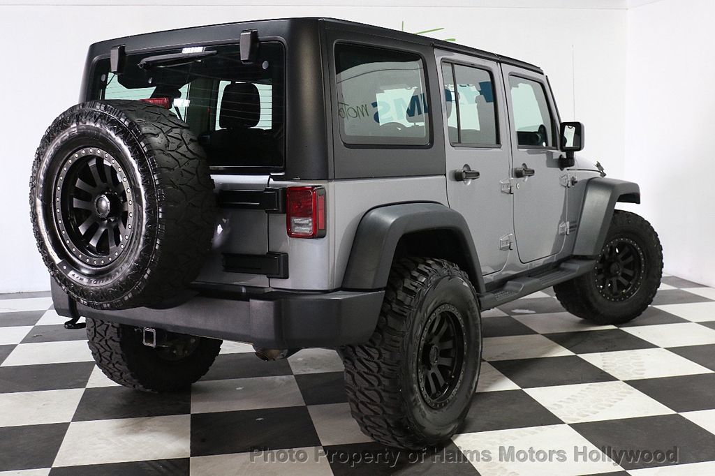 2014 Jeep Wrangler Unlimited 4WD 4dr Willys Wheeler - 17810296 - 8