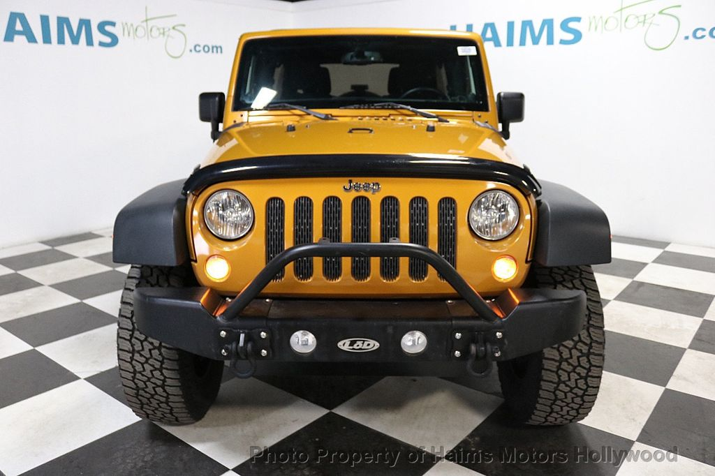 2014 Jeep Wrangler Unlimited 4WD 4dr Willys Wheeler - 18688932 - 11
