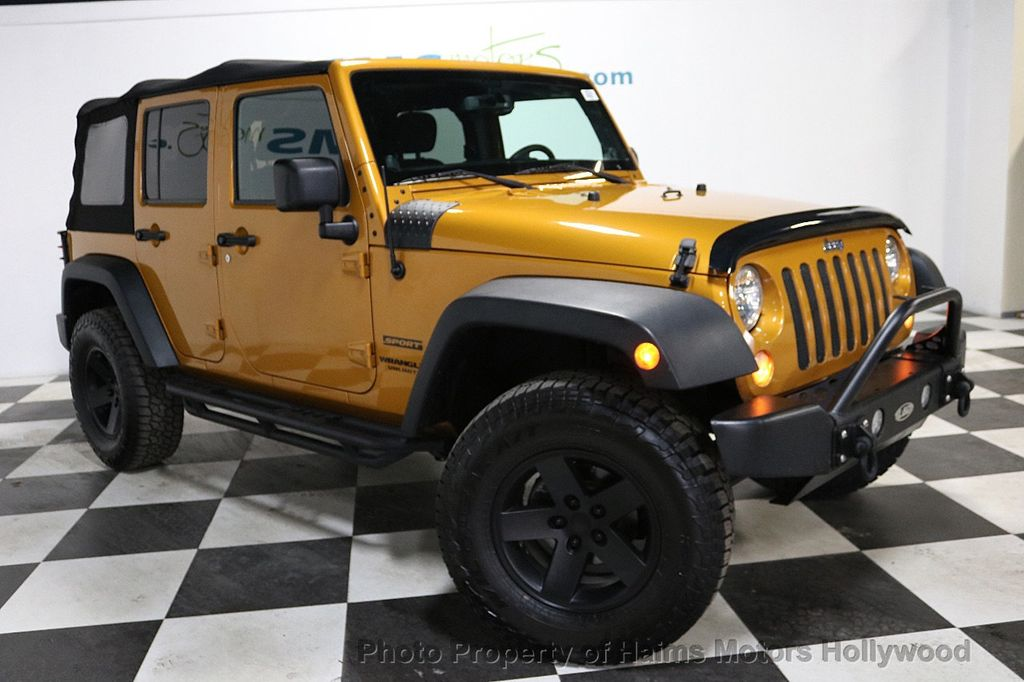 2014 Jeep Wrangler Unlimited 4WD 4dr Willys Wheeler - 18688932 - 12