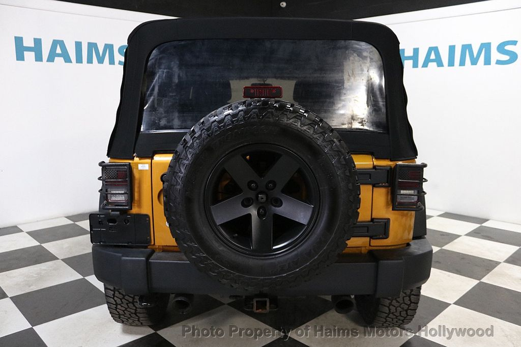 2014 Jeep Wrangler Unlimited 4WD 4dr Willys Wheeler - 18688932 - 14