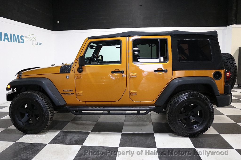 2014 Jeep Wrangler Unlimited 4WD 4dr Willys Wheeler - 18688932 - 16