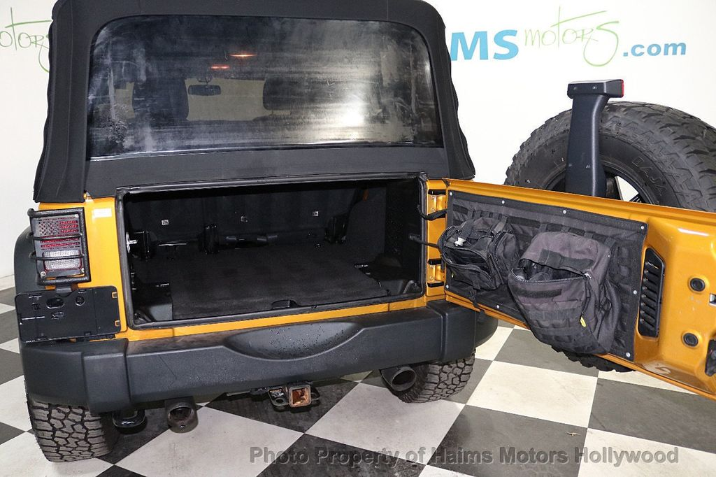 2014 Jeep Wrangler Unlimited 4WD 4dr Willys Wheeler - 18688932 - 18