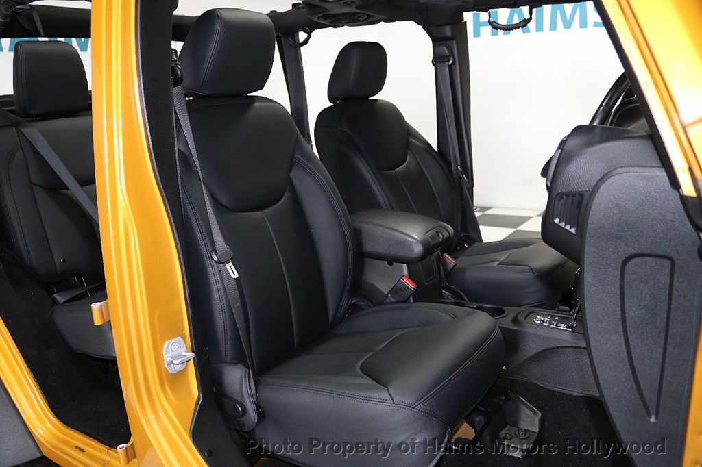 2014 Jeep Wrangler Unlimited 4WD 4dr Willys Wheeler - 18688932 - 24