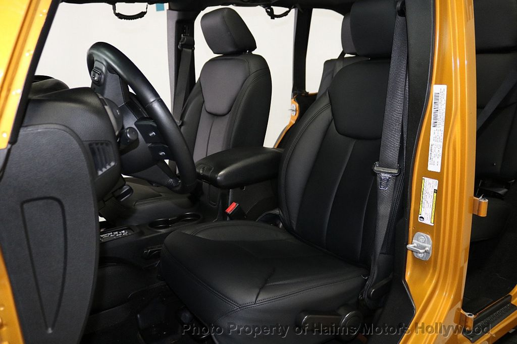 2014 Jeep Wrangler Unlimited 4WD 4dr Willys Wheeler - 18688932 - 27