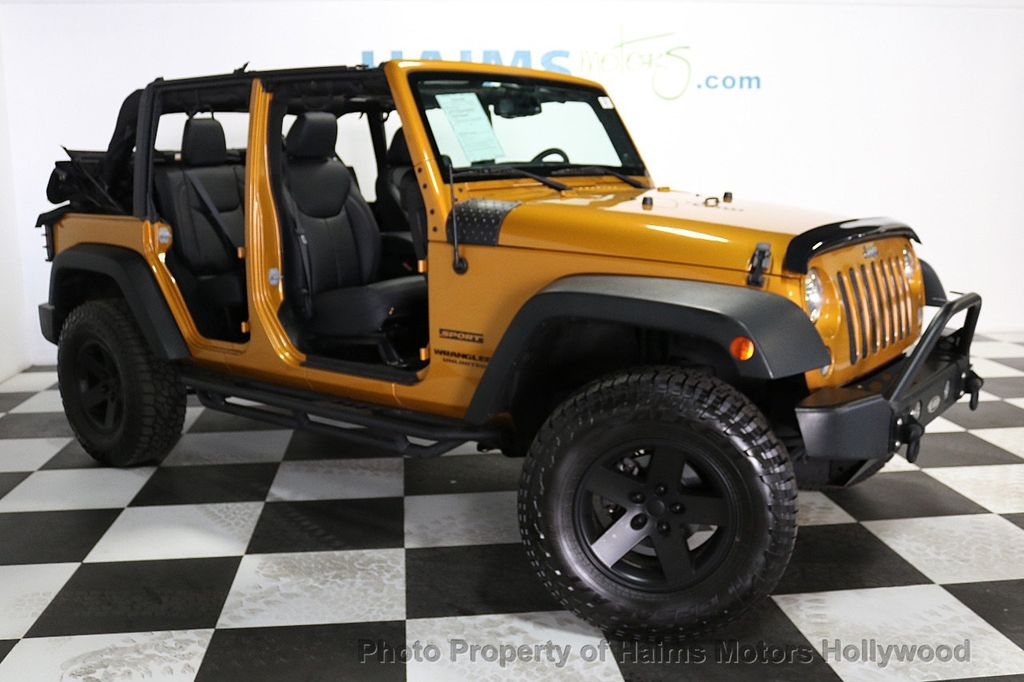 2014 Jeep Wrangler Unlimited 4WD 4dr Willys Wheeler - 18688932 - 3