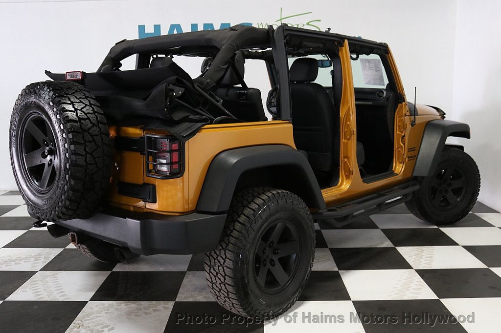 2014 Jeep Wrangler Unlimited 4WD 4dr Willys Wheeler - 18688932 - 6