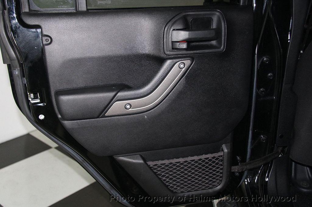 2014 Jeep Wrangler Unlimited Sport - 17140818 - 11