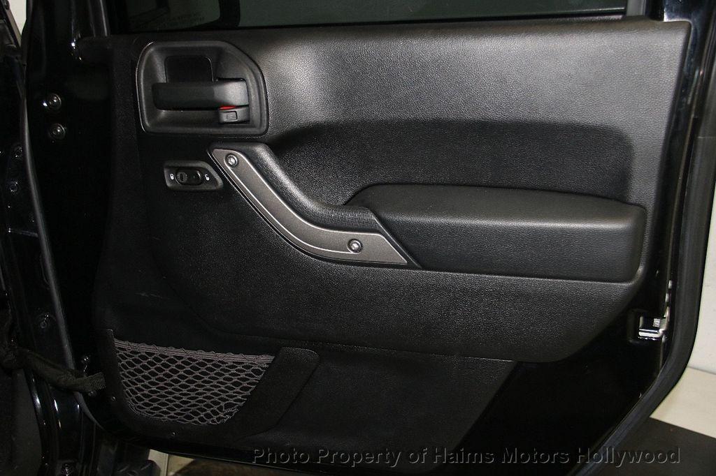 2014 Jeep Wrangler Unlimited Sport - 17140818 - 13