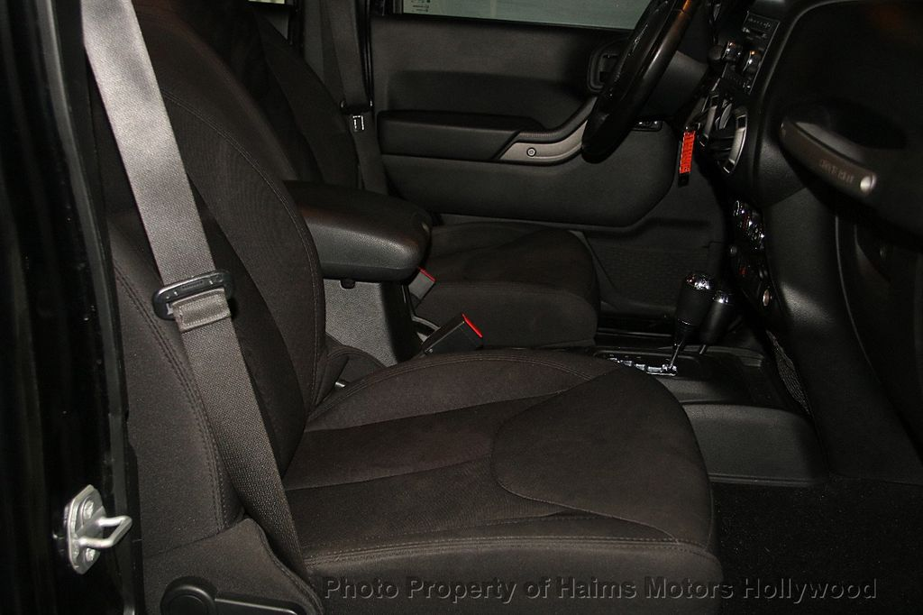 2014 Jeep Wrangler Unlimited Sport - 17140818 - 14