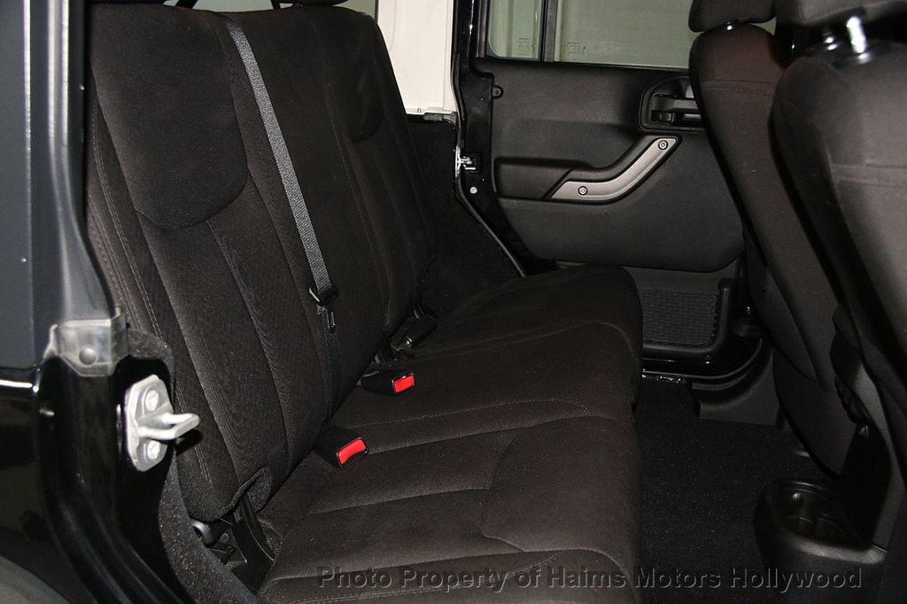 2014 Jeep Wrangler Unlimited Sport - 17140818 - 15