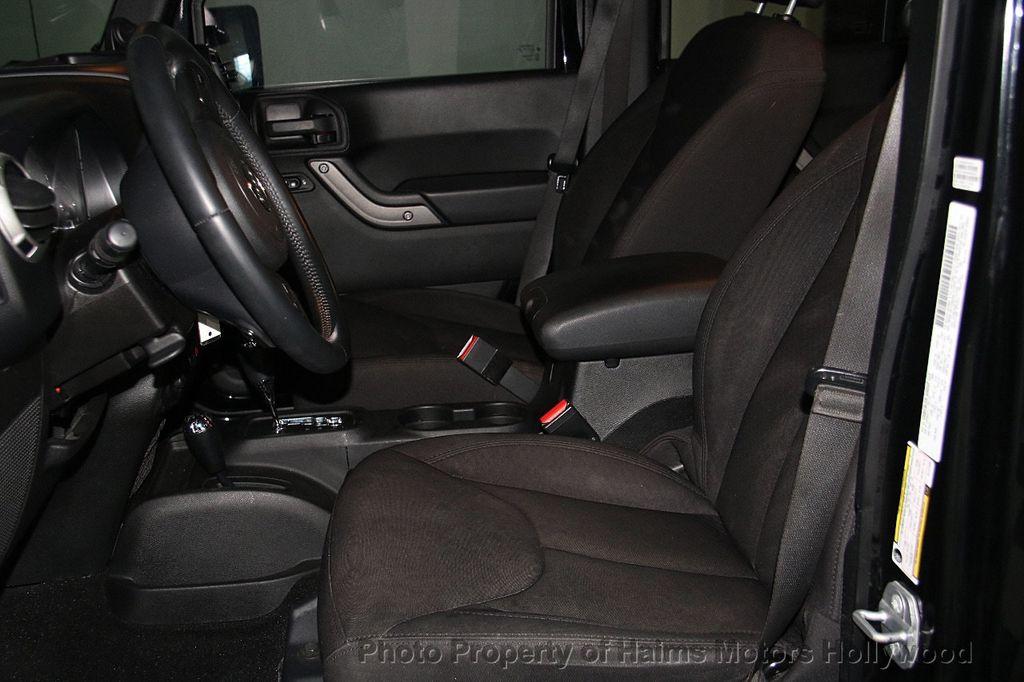 2014 Jeep Wrangler Unlimited Sport - 17140818 - 17