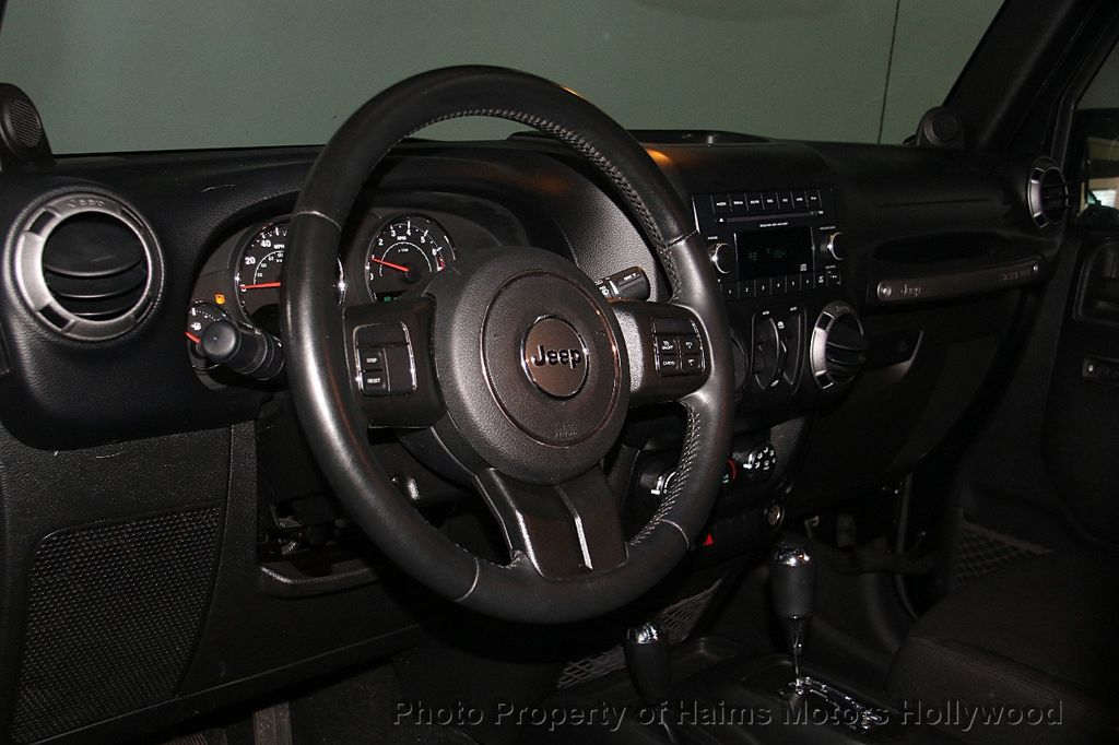 2014 Jeep Wrangler Unlimited Sport - 17140818 - 18