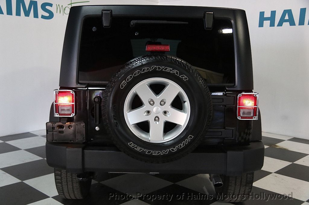 2014 Jeep Wrangler Unlimited Sport - 17140818 - 5