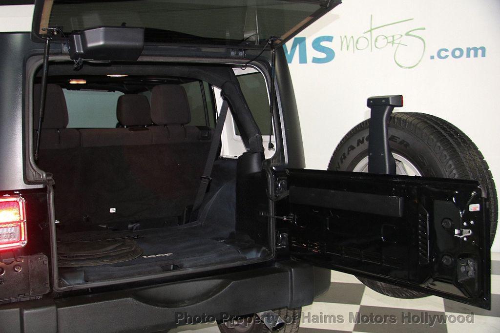 2014 Jeep Wrangler Unlimited Sport - 17140818 - 7