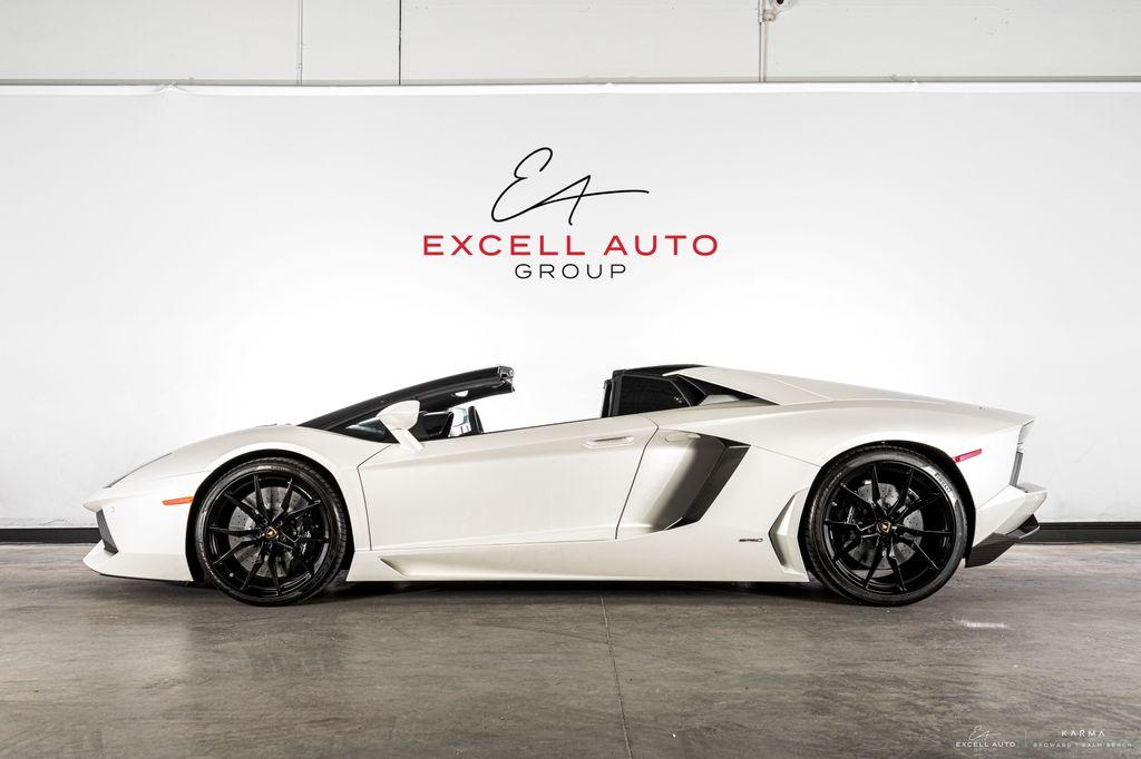 2017 Lamborghini Aventador 2dr Convertible 18806032 0