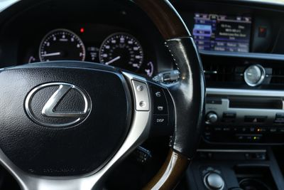 2014 Lexus ES 350 4dr Sedan - Click to see full-size photo viewer