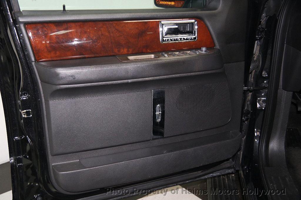 2014 Lincoln Navigator 4WD 4dr - 17048416 - 11
