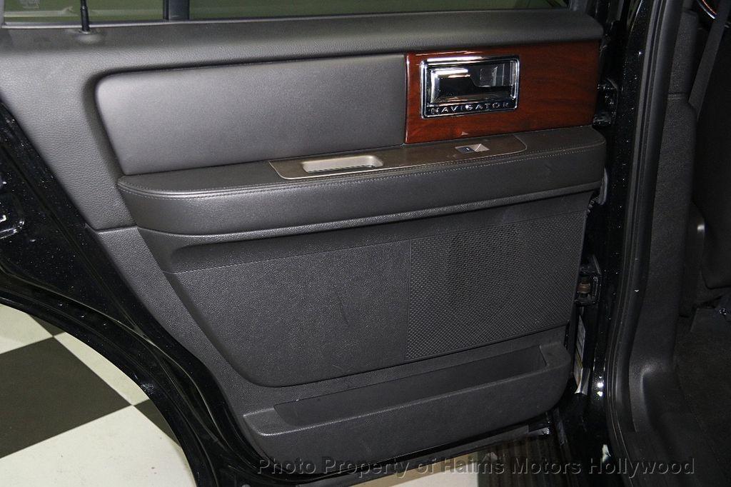 2014 Lincoln Navigator 4WD 4dr - 17048416 - 12