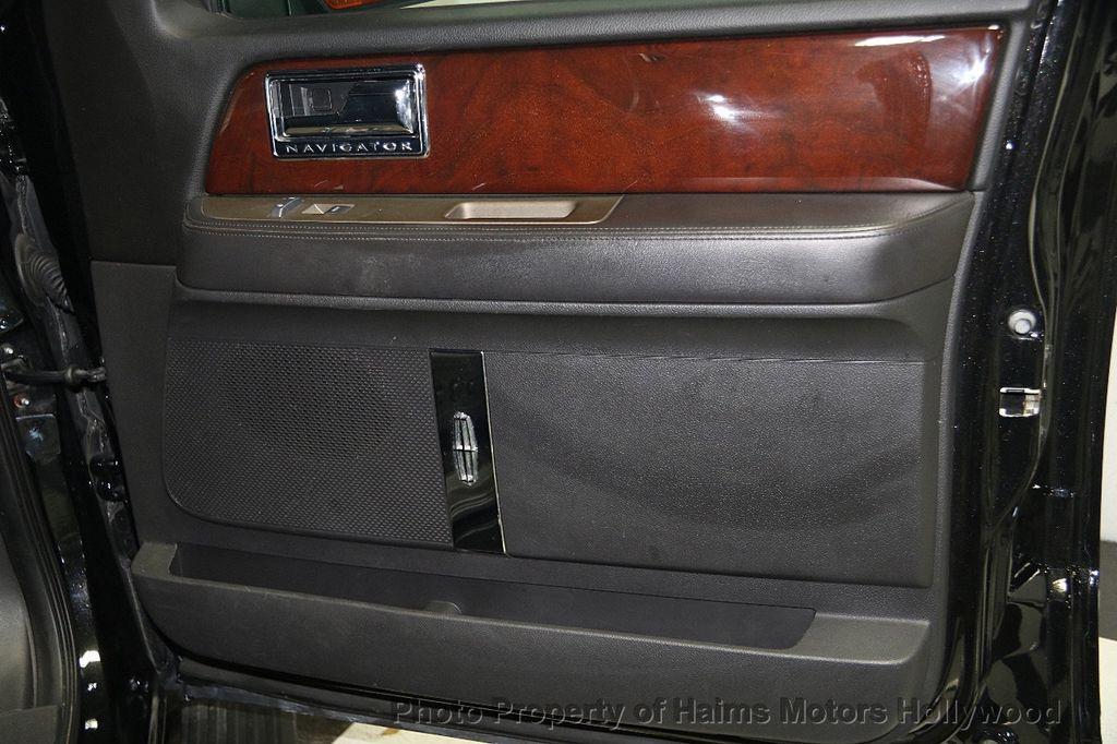 2014 Lincoln Navigator 4WD 4dr - 17048416 - 14