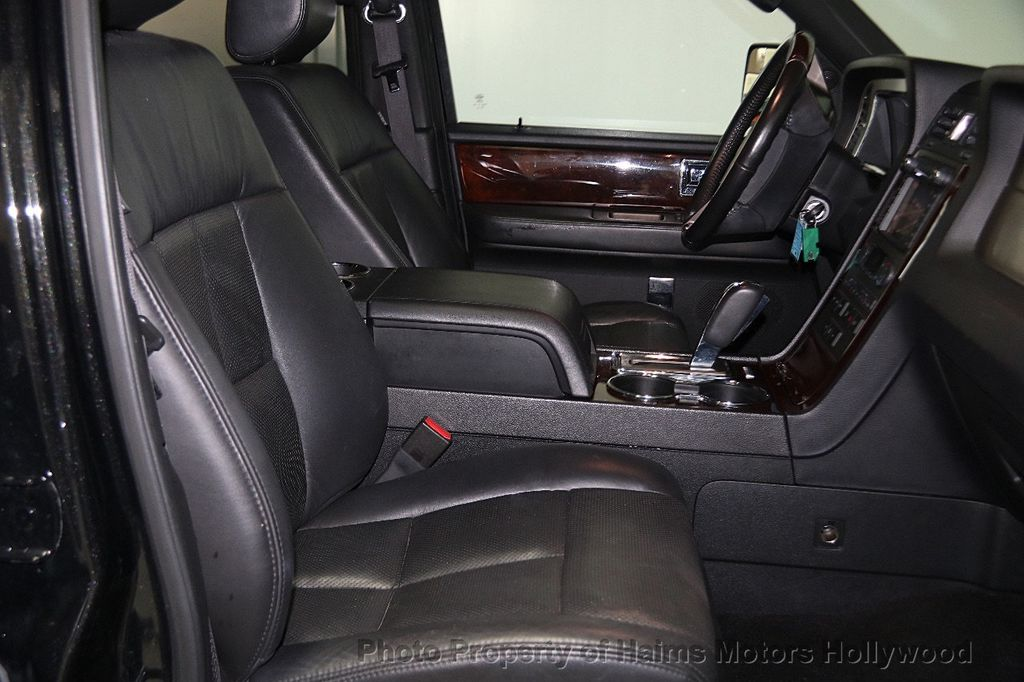 2014 Lincoln Navigator 4WD 4dr - 17048416 - 15